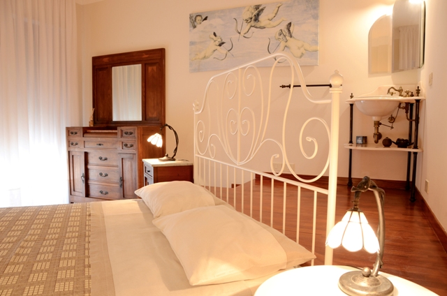 MARCHE-TOURISM Bed & Breakfast - Porto San Giorgio - camera matrimoniale